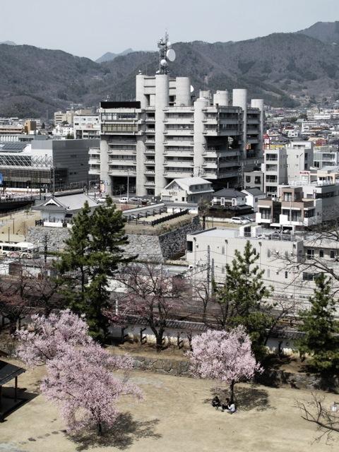 http://www.carlofumarola.ch/files/gimgs/1_yamanashi-press--broadcasting-center---kenzo-tange_v2.jpg
